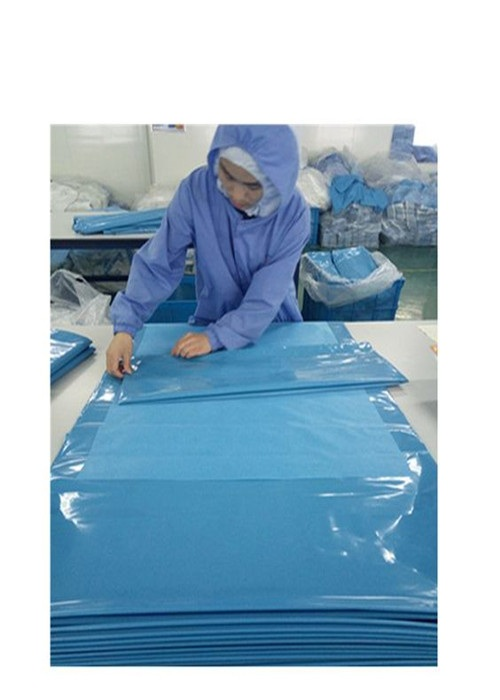 Lightweight Fluid Resistant Disposable Hospital Drapes Standard For Operating Theater